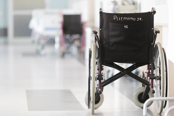 Josvydo Elinsko / 15min nuotr./Sveikatos apsaugos ministras Aurelijus Veryga lankėsi Vilniaus universiteto ligoninės Santaros klinikose