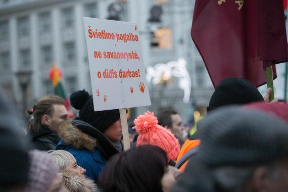 """Josvydo Elinsko / 15min nuotr./Masinė protesto akcija """"Paskutinis skambutis"""""""