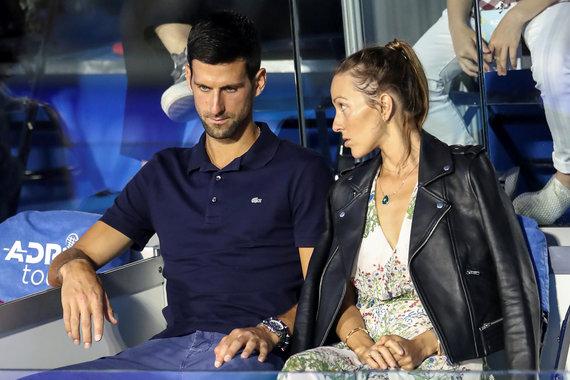 """""""Scanpix"""" nuotr./Po """"Adria Tour"""" turnyro Novakas Džokovičius su žmona Jelena užsikrėtė koronavirusu, tačiau abu sėkmingai pasveiko 2020 m. Liepos 22 d."""