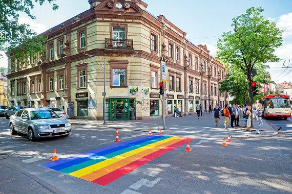 Augusto Didžgalvio nuotr./Vaivorykštės spalvų perėjos atsiradimas Vilniuje