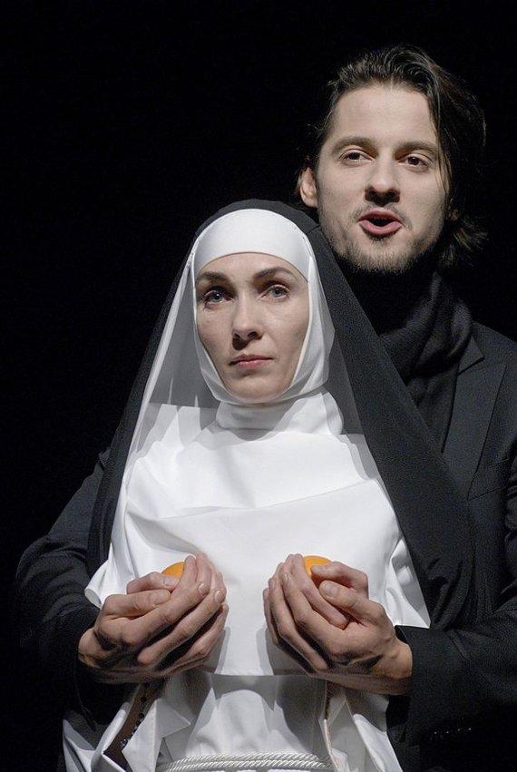 """D.Matvejevo nuotr./Spektaklyje """"Elitas ponai Glembajai"""""""