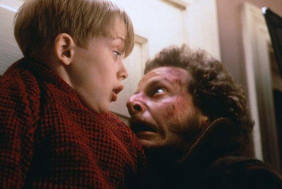 """IMDB nuotr./Kadras iš filmo """"Vienas namuose"""""""