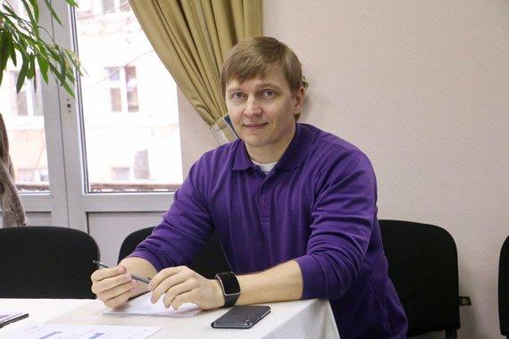 """Foreign Policy Council """"Ukrainian Prism""""""""Facebook"""" paskyra/Nevyriausybinio tyrimų centro """"Ukrainos prizmė"""" valdybos pirmininkas Henadijus Maksakas"""