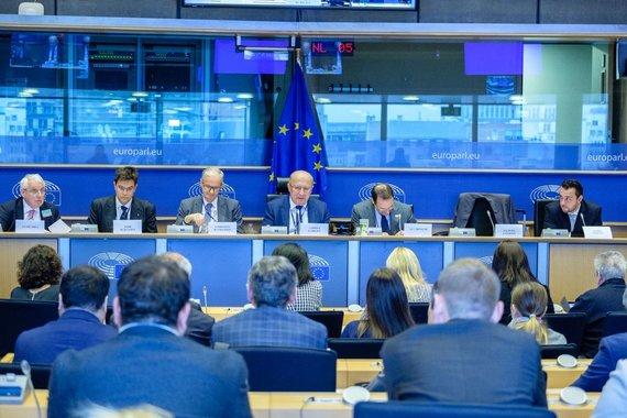 """Europos liaudies frakcijos Europos Parlamente nuotr./""""ES Rytų kaimynystės forumas"""" Briuselyje"""