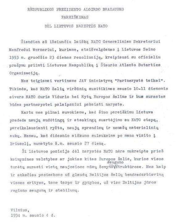 Užsienio reikalų ministerijos nuotr. /Prezidento A.Brazausko pareiškimas dėl Lietuvos narystės NATO