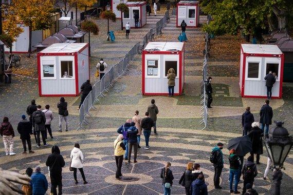 """""""Scanpix""""/AFP/Slovakijoje vyksta visuotinis gyventojų tyrimas dėl koronaviruso"""