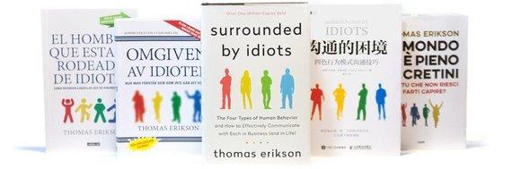 """Knyga """"Aplink mane – vien tik idiotai"""" įvairiomis pasaulio kalbomis"""