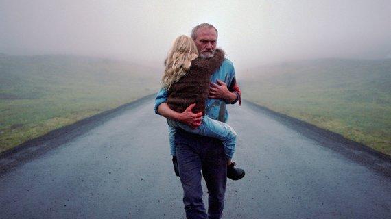 """Partnerių nuotr./Kadras iš filmo """"Balta balta diena"""""""