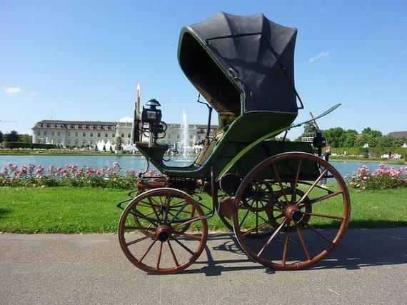 Wikimedia nuotr./1888 metais sukurtas Flocken Elektrowagen – pirmasis vokiškas praktiškas elektromobilis