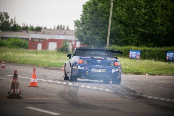 Justo Lengvino nuotr./Automobilių slalomo varžybos Panevėžyje