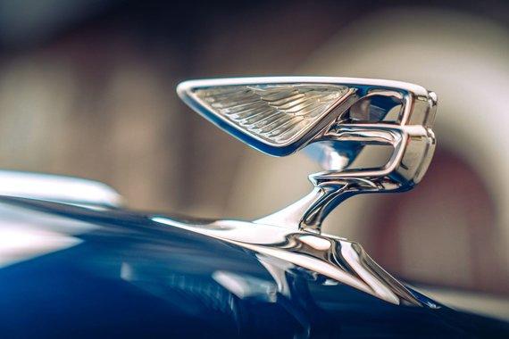 """Gamintojo nuotr./""""Bentley"""" atnaujino """"Flying B"""" ženklelį"""