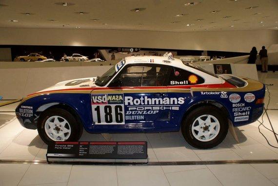 Paryžiaus-Dakaro ralio automobilis Porsche 959