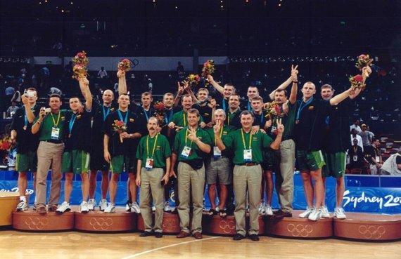 LTOK archyvo nuotr./Lietuvos krepšinio rinktinė – Sidnėjaus olimpinių žaidynių prizininkė