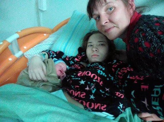 Nijolė Volskė su dukra (asmeninio archyvo nuotrauka)