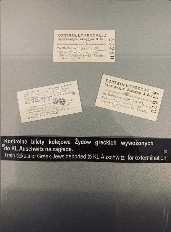 Asmeninio albumo nuotr./Kai kurių šalių žmonės net buvo priversti pirkti bilietus į Aušvicą.