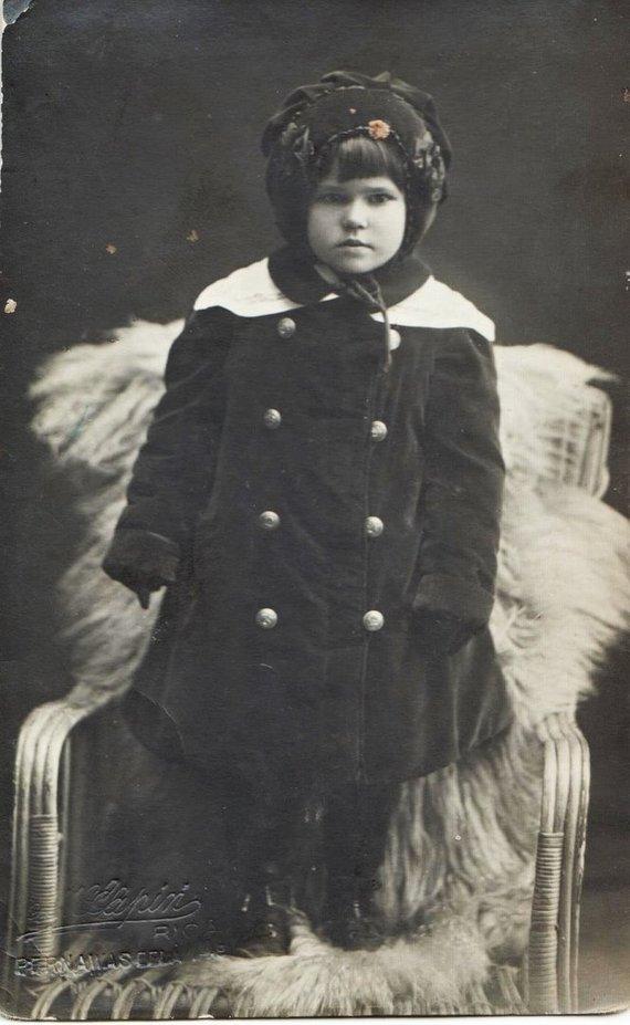 I.Korsakienės archyvai /Jadvyga Šušytė vaikystėje