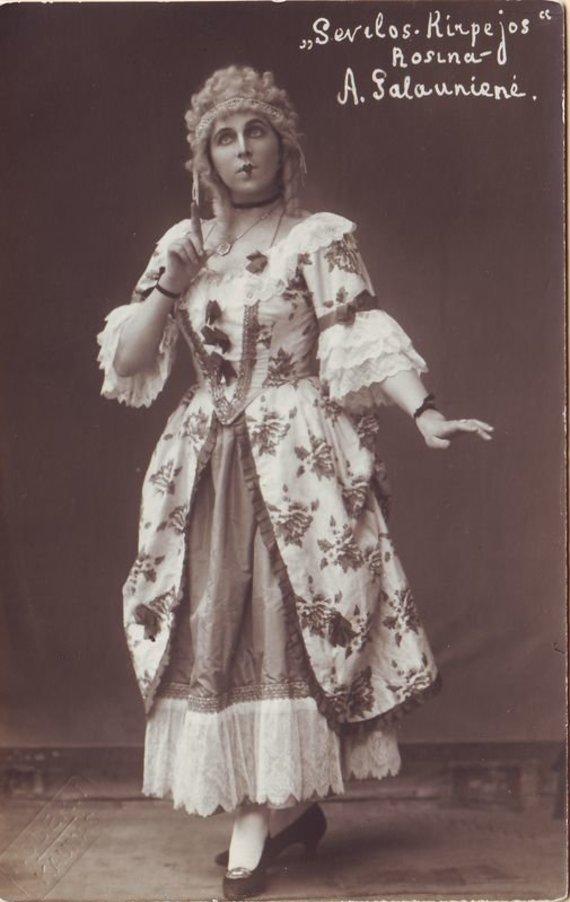 """""""Europeana"""" nuotr./Rozina – Adelė Galaunienė. G. Rossini. """"Sevilijos kirpėjas"""". 1924 m."""