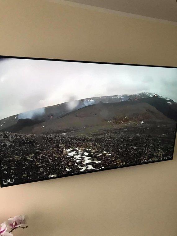 Donato Arlausko nuotr./Ugnikalnio išsiveržimą Donatas su žmona stebi ir namuose