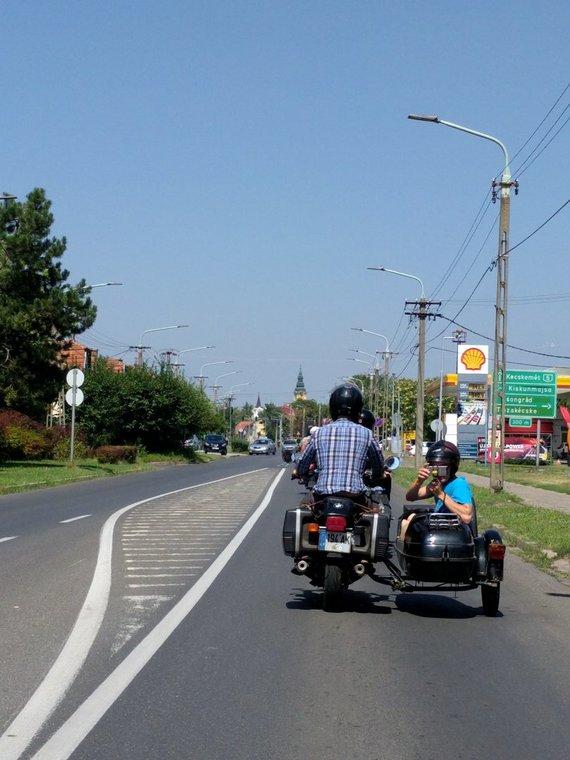 Asmeninio albumo nuotr./Iš kelionių po Europą motociklais