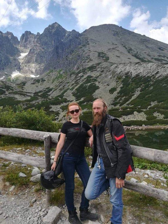 Asmeninio albumo nuotr./Su žmona Asta kelionėje po Slovakiją motociklais