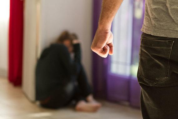 123rf.com/Alkoholizmo problemas dažnai lydi smurtas