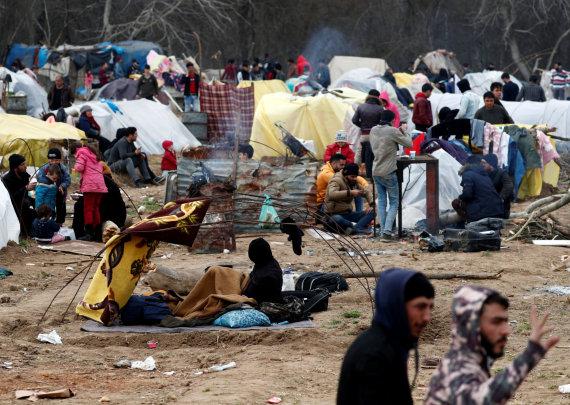 """""""Reuters""""/""""Scanpix"""" nuotr./Migrantų stovykla Turkijoje, prie sienos su Graikija"""