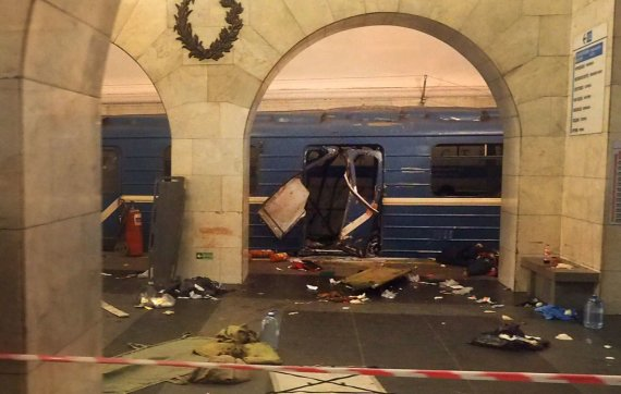"AFP/""Scanpix"" nuotr./Sprogimas Sankt Peterburge"