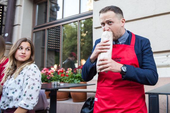 Luko Balandžio / 15min nuotr./Manto Katlerio kebabų restorano atidarymas