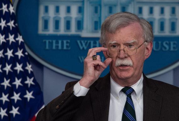 "AFP/""Scanpix"" nuotr./D.Trumpo patarėjas nacionaliniam saugumui J.Boltonas"