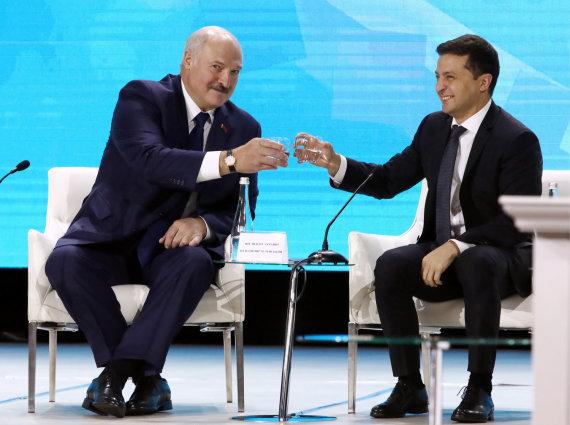 """Scanpix""/ITAR-TASS nuotr./Aliaksandras Lukašenka ir Volodymyras Zelenskis"