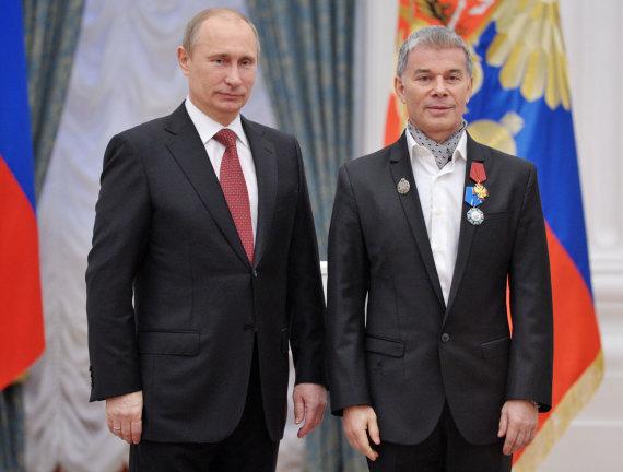 """Scanpix""/""RIA Novosti"" nuotr./Olegas Gazmanovas su Vladimiru Putinu"
