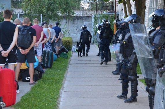 Kalėjimų departamento nuotr./Krata Pravieniškių pataisos namų-atvirojoje kolonijoje