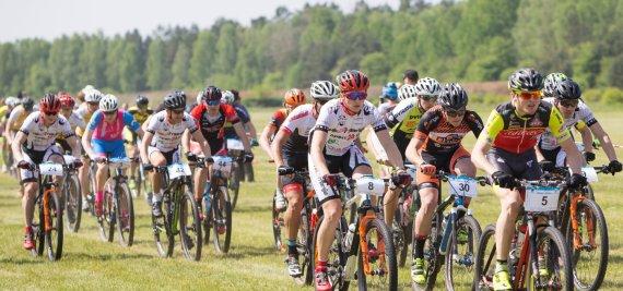 Projekto partnerio nuotr./MTB dviračių rungtynių dalyviai