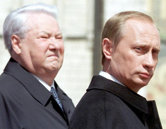 """""""Reuters""""/""""Scanpix"""" nuotr./Borisas Jelcinas ir Vladimiras Putinas"""