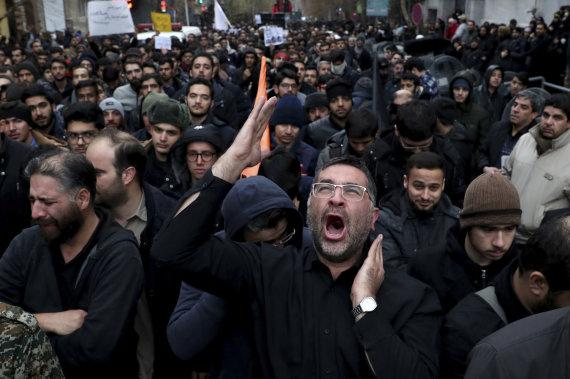 """""""Scanpix""""/AP nuotr./Gedintys iraniečiai Teherane"""