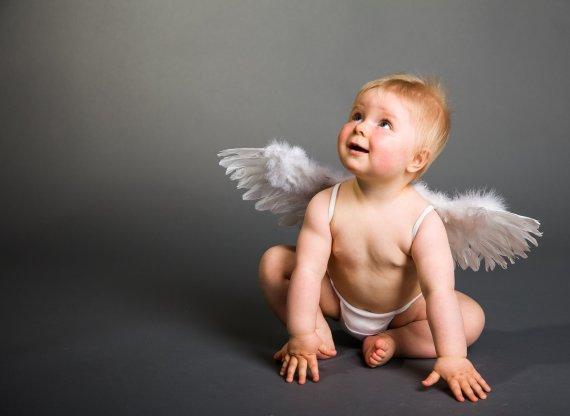 123RF.com nuotr./Kūdikis su sauskelnėmis