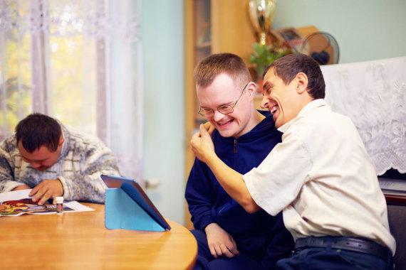 123RF.com nuotr./Negalią turintys žmonės puikiai atlieka jiems pavestus darbus