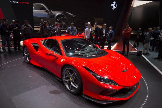 """Scanpix""/""SIPA"" nuotr./Ferrari F8 Tributo"