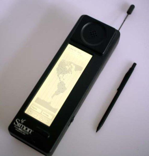 """IBM nuotr./Pirmasis išmanusis telefonas """"Simon Personal Communicator""""."""
