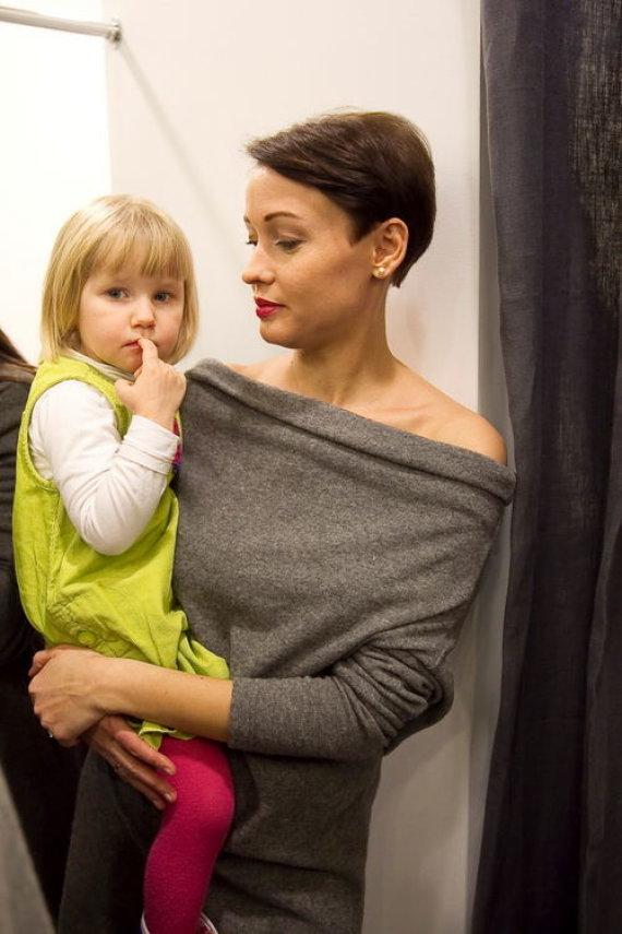 Aistė Jasaitytė-Čeburiak su dukrele Elze