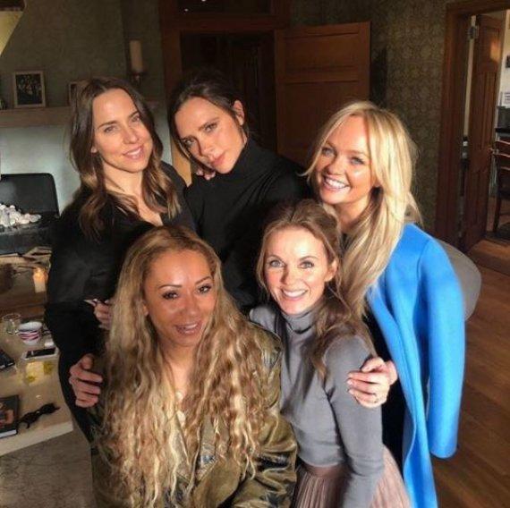 """Instagram nuotr./Victoria Beckham, Melanie Brown, Emma Bunton, Melanie Chisholm, Geri Horner – """"Spice Girls"""""""