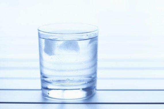 Photos.com nuotr./Vandens stiklinė