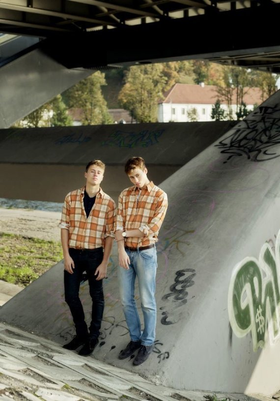 Vido Černiausko nuotr./Tomas Alenčikas-Alen Chicco su dvyniu broliu Roku