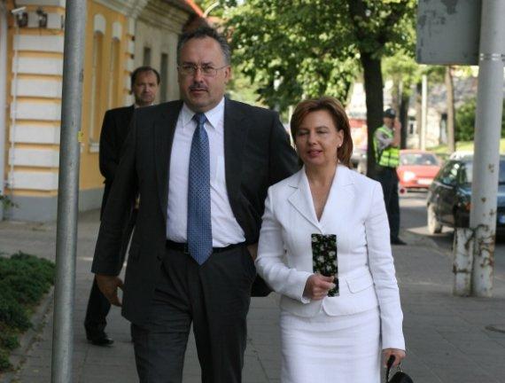 """""""Scanpix"""" nuotr./Romualdas Boreika su žmona, buvusia Seimo nare Violeta Boreikiene"""