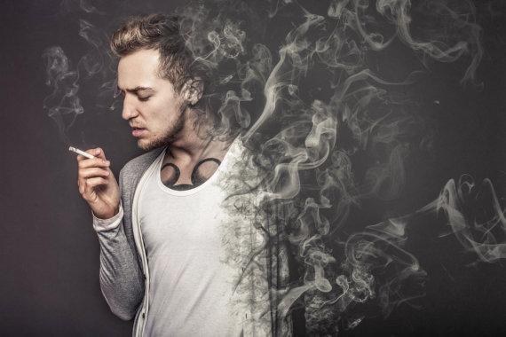 """""""Shutterstock"""" nuotr./Rūkymas"""