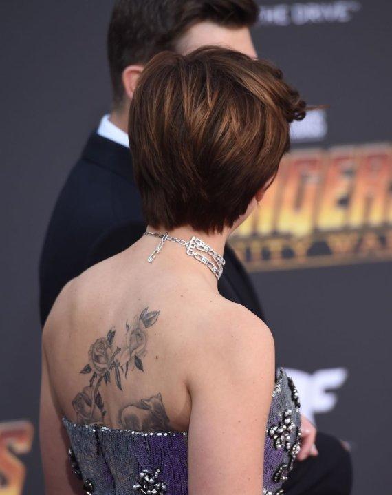 Vida Press nuotr./Scarlett Johansson tatuiruotė
