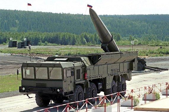"""AFP/""""Scanpix"""" nuotr./Rusijos raketiniai kompleksai """"Iskander"""" bus dislokuoti Lietuvos pašonėje."""