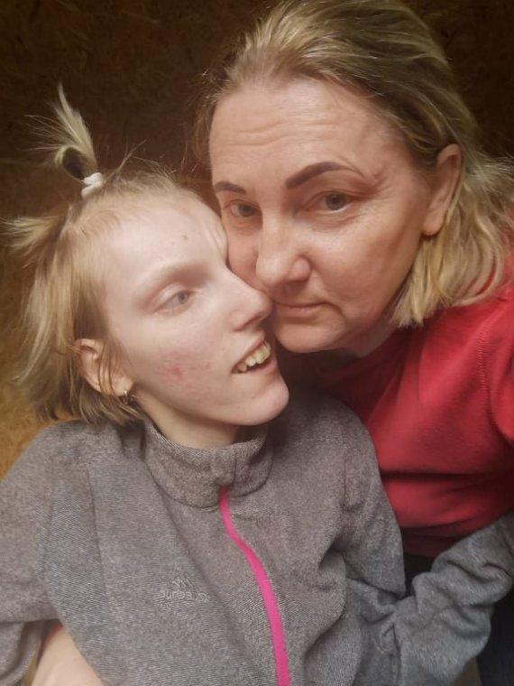 Asmeninio albumo nuotr./Lilija Lopetaitė su dukra