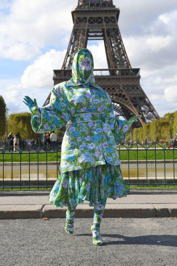 Vida Press nuotr./Cardi B Paryžiaus mados savaitėje