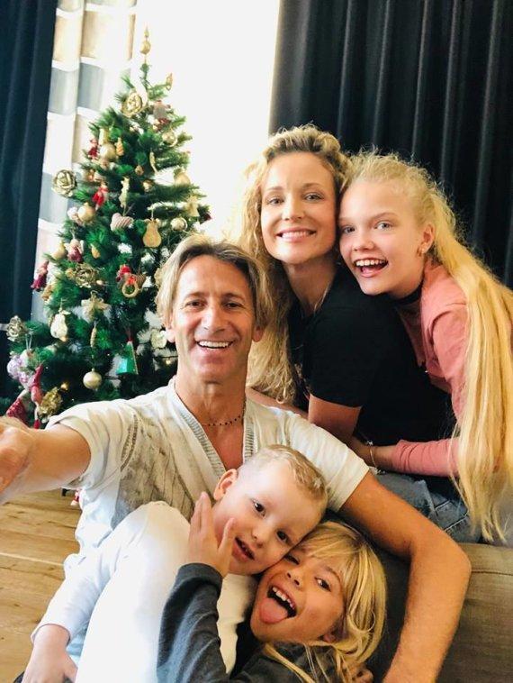Asmeninio albumo nuotr./Edita Daniūtė ir Mirko Gozzoli su vaikais